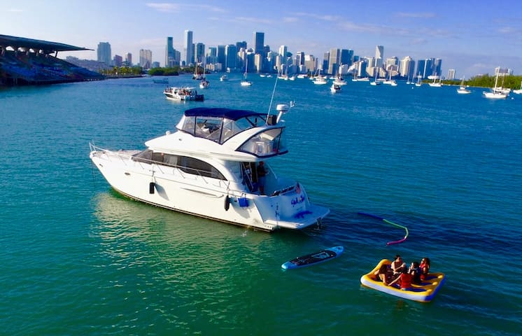 43' Meridian For Rent - 2/2 Sport Yacht in Miami!