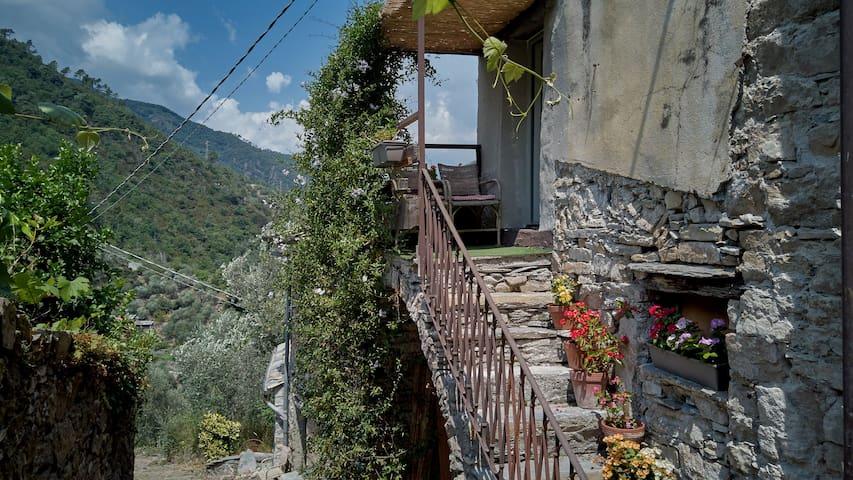 Montalto Ligure的民宿
