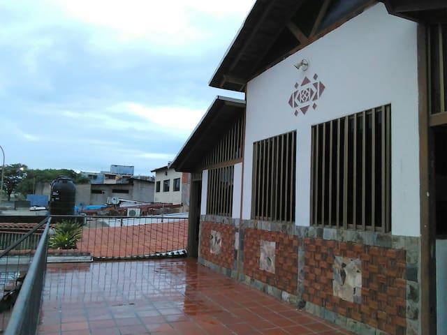 Ciudad Guayana的民宿