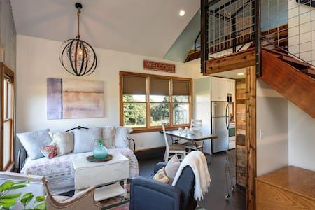 Tranquil Cottage in C'ville, sleeps 5