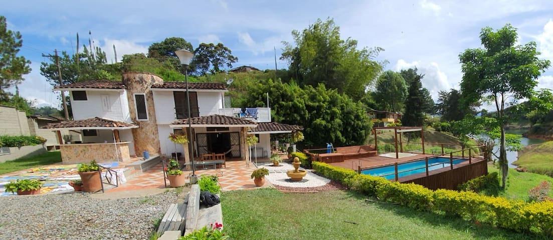 Vereda La Chapa的民宿