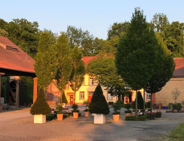 Wiesenbach的民宿