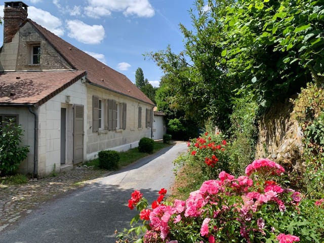 Hadancourt-le-Haut-Clocher的民宿