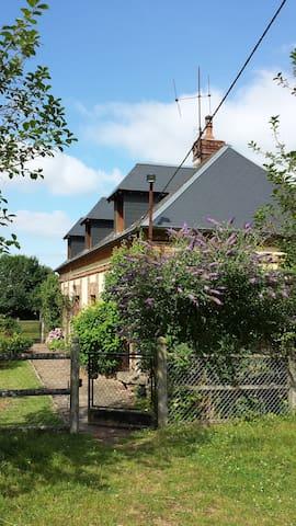 Le Bosc-Renoult的民宿