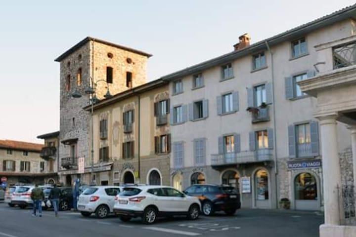 Trescore Balneario的民宿