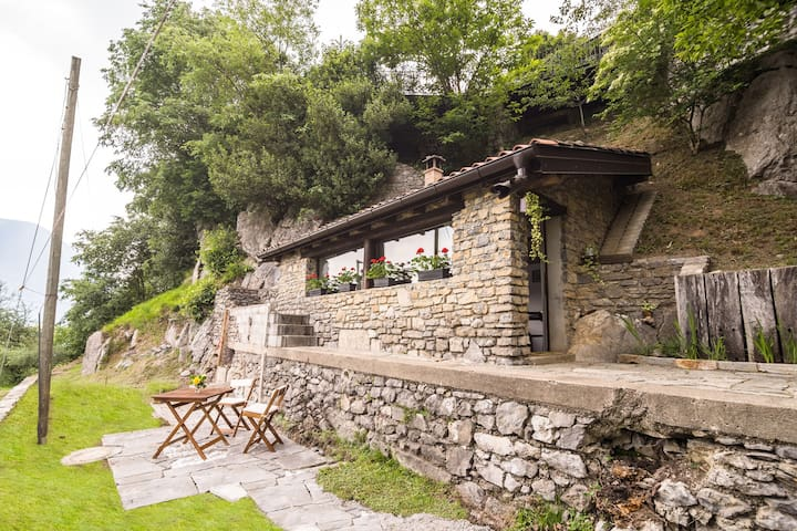 Romantic Holiday Home in Italian Lakes with Garden