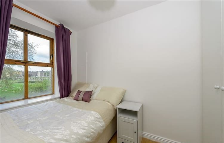 Charming 2 bed, 3rd flr, Liffey and Guinness view