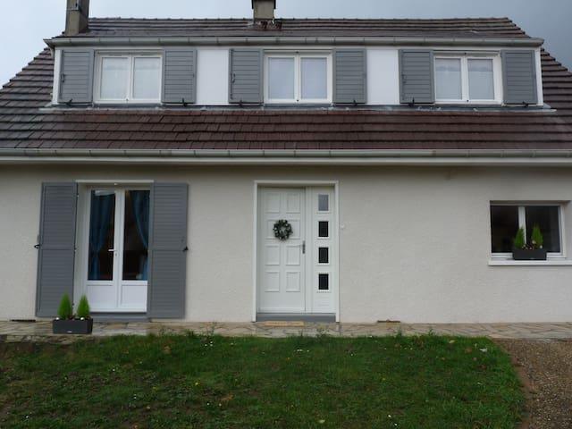Pacy-sur-Eure的民宿