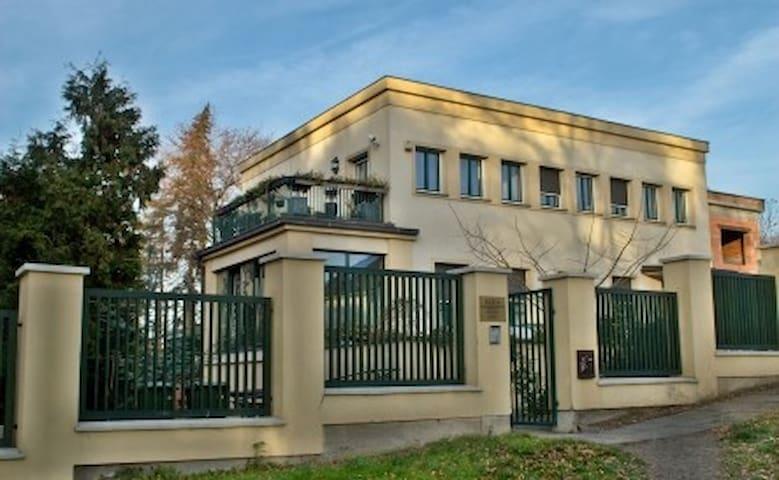 Čelákovice的民宿