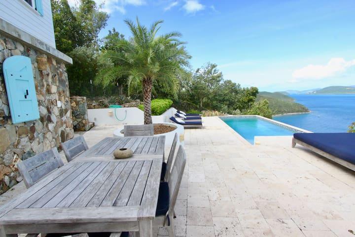 Amazing Views- Stunning Pool - Eco-Luxury Getaway