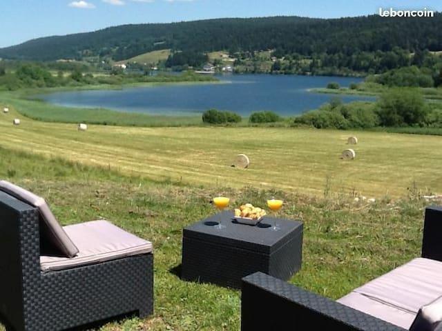 Grande-Rivière的民宿