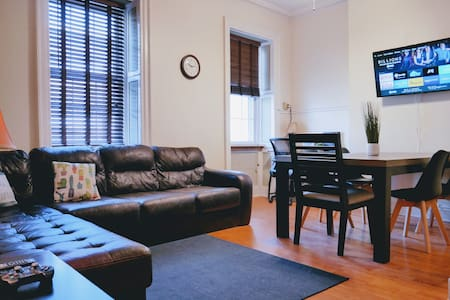 ✨Historic Full Amenities 2BR Apt @Downtown Albany