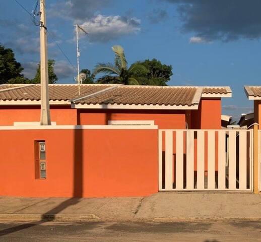 Santa Rita do Passa Quatro 的民宿