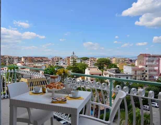 Casalnuovo di Napoli的民宿