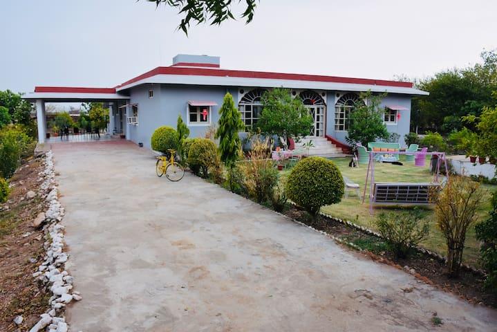 Gurha Nathawatan的民宿