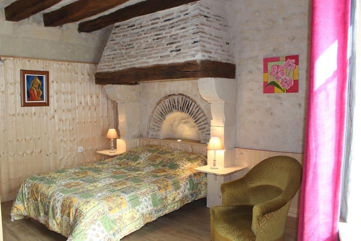 La Croix-en-Touraine的民宿