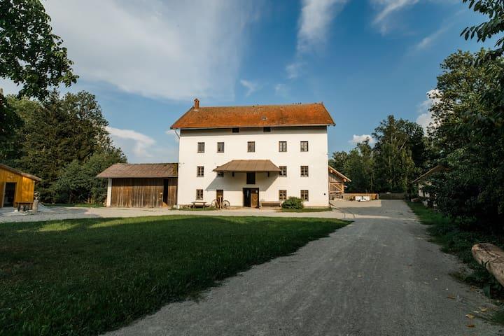 Eggenfelden的民宿