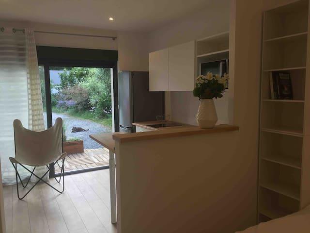 Studio cosy indépendant dans villa