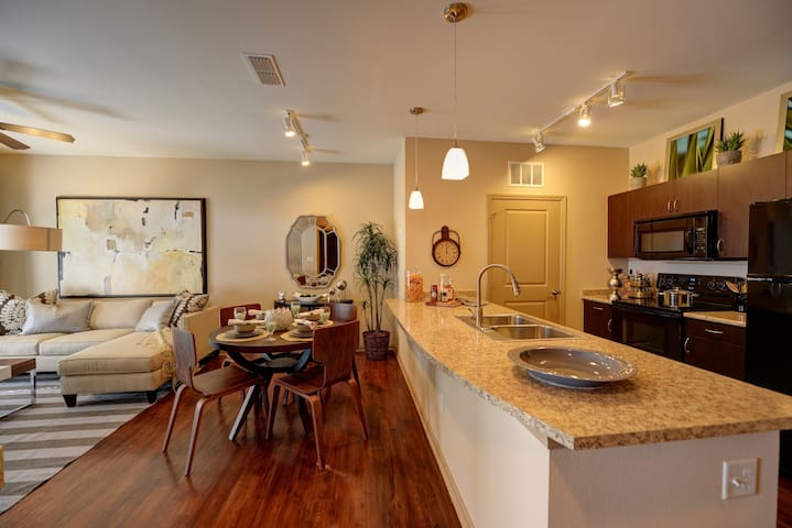 Clean, comfortable apartment   2BR in Jacksonville