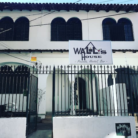 Wally's House Hostel