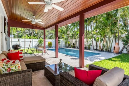 Amazing! Key West Style Home With Pool Near Beach