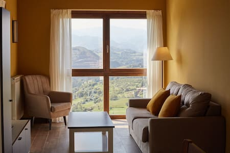 Beautiful rural house consisting of three apartments with views of the mountains
