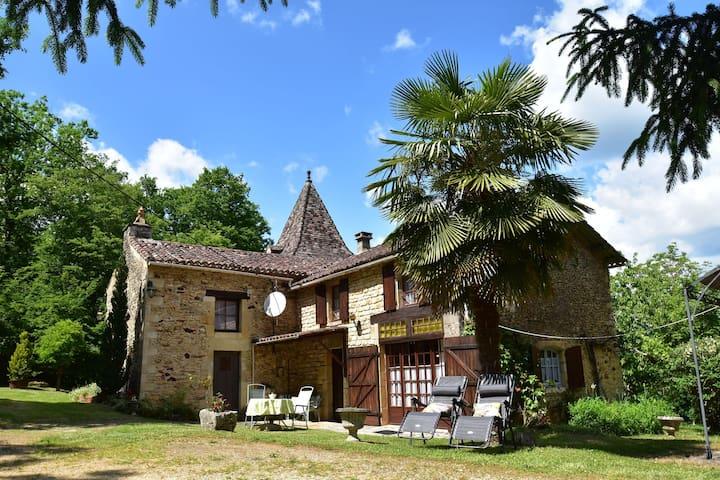 Villefranche-Du-Perigord的民宿