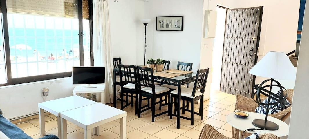 Casa Familiar a pie de Butiplaya Mediterraneo
