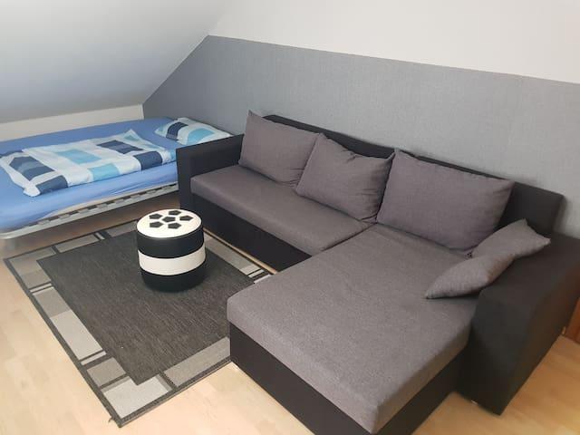 Sehr schönes Zimmer von privat zu-vermieten