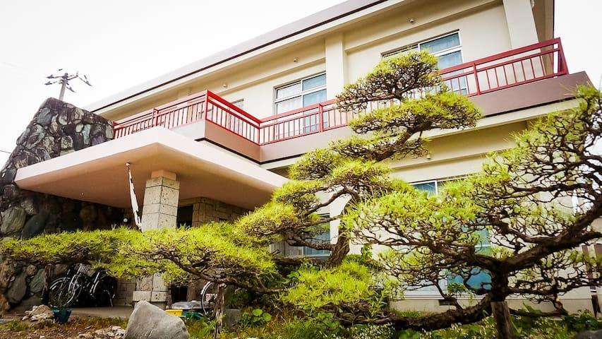 Niihama 新居浜市的民宿