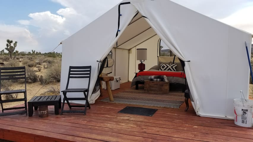 Glamping Tent at Lazy Sky-sleeps 2