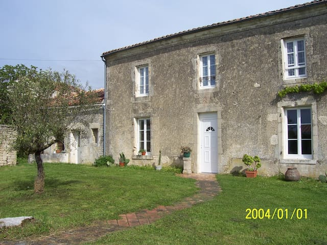 La Croix-Comtesse的民宿
