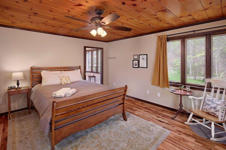 Ridgeside B&B: Sycamore - mountain retreat