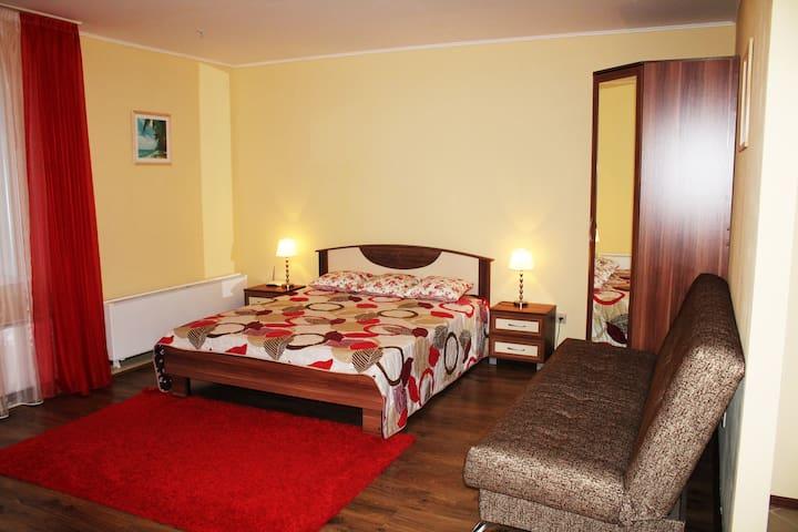 Апартаменты для семьи, командировки, 15 эт
