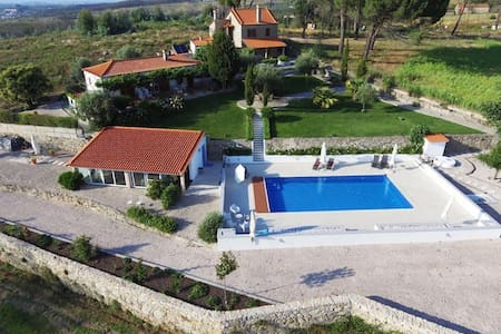 PRIVATE HOUSE -rural nature with beautiful  POOL.
