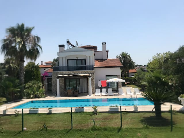 3 bedroom villa with private pool in Antalya