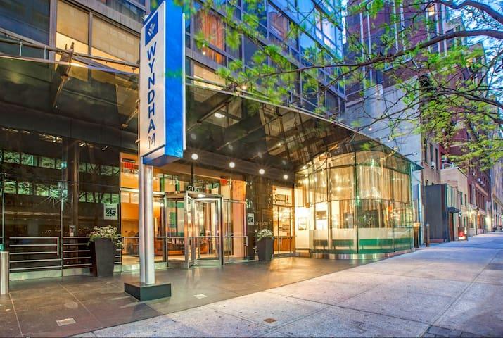 CLEAN Studio Resort in Manhattan-Wyndham Midtown45