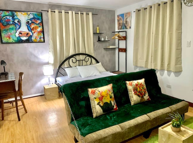 Offbeat and Spacious 32 SQM studio @ uptown.