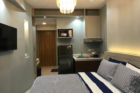 Comfy Hotel inspired room in Manila