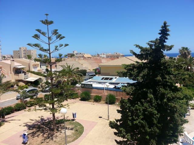 Estudio en Torrevieja a 700 m del mar