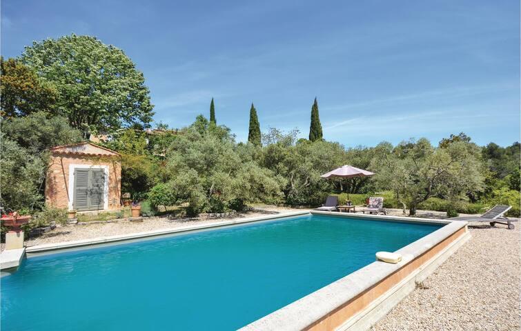 Les Baux de Provence的民宿