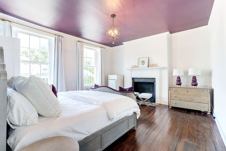 ★Historic Madison Suite - The George of Old Town★