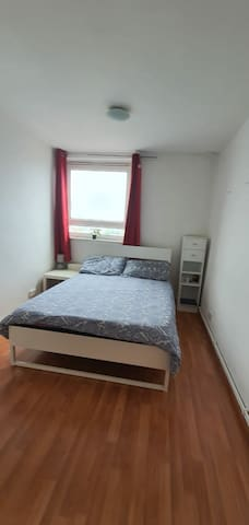 Central London Shadwell Close good transport links