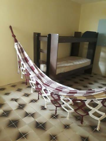 Quarto 5 Família  Bananeiras -  2 Camas  Casal