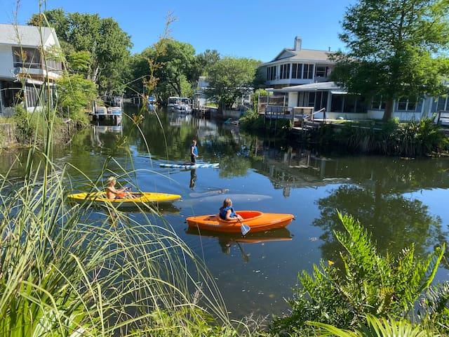 The Kayak Kottage: waterfront, kayaks, & bikes