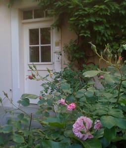 3 room-apartment, garden, gardenhouse, near park