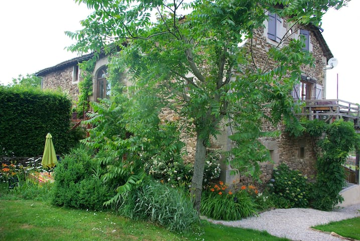 Montet-et-Bouxal的民宿