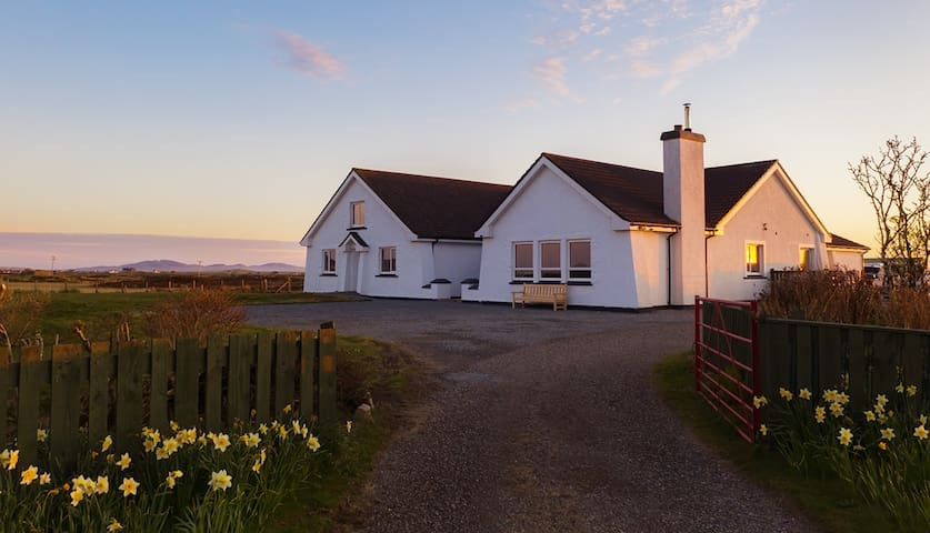 Grianaig Guest House, Self Catering, South Uist