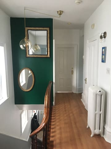 Beautiful flat in central Halifax.
