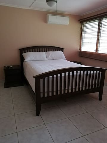 Casa Natura, queen bed, safe and centrally located